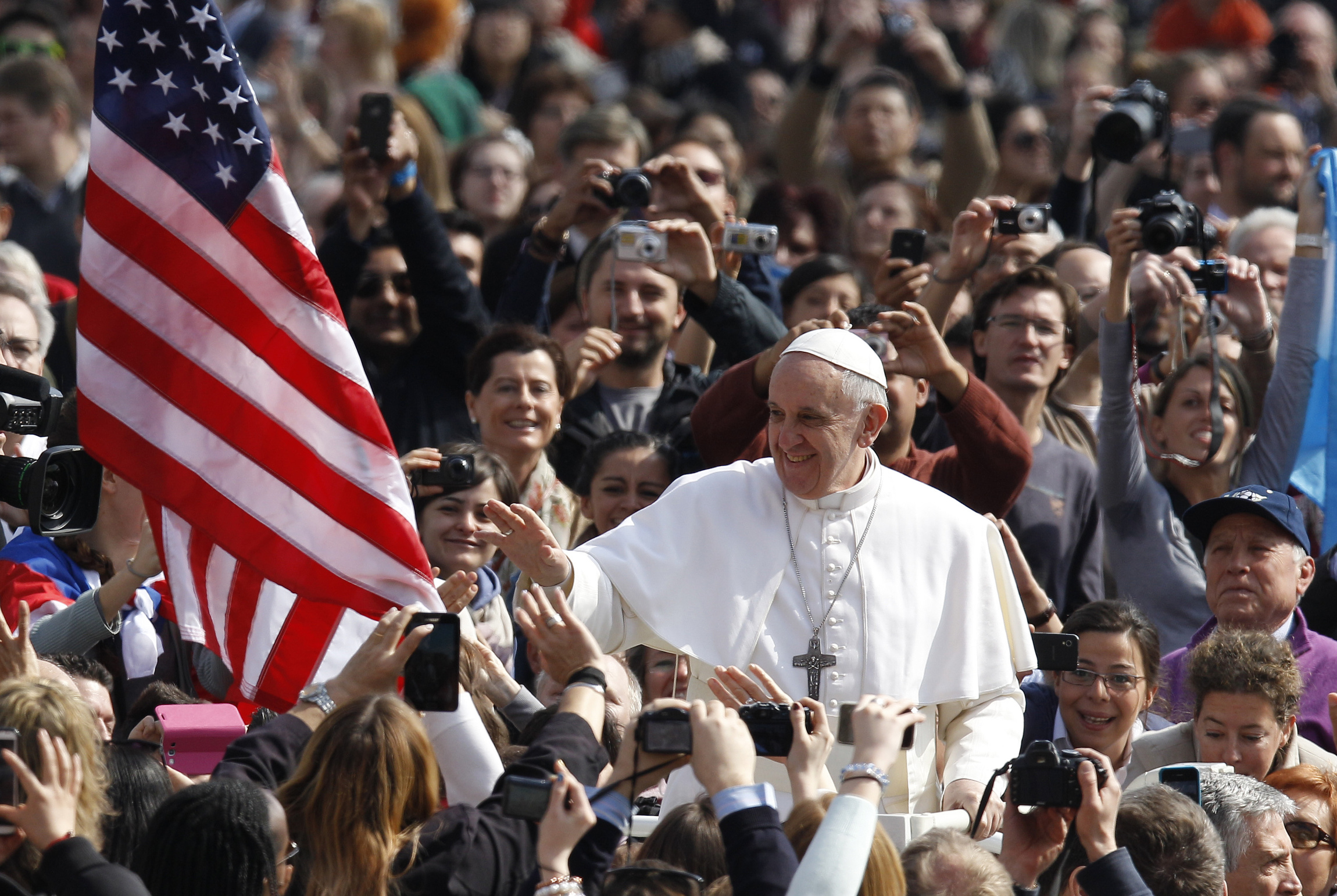 4_1_pope-US-flag